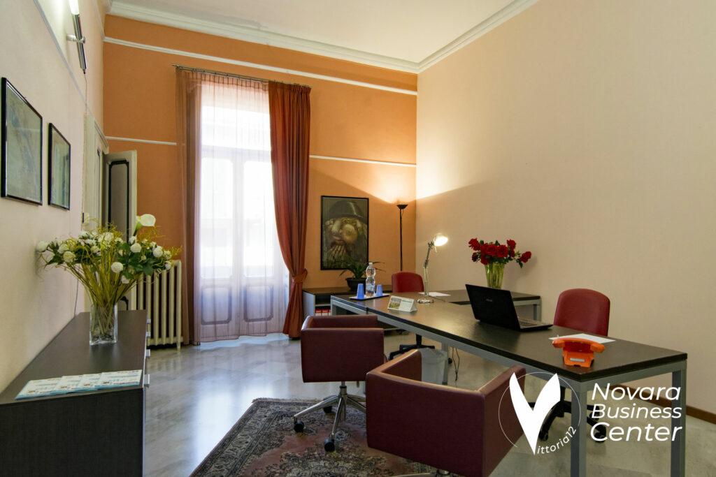 Temporary furnished office Novara